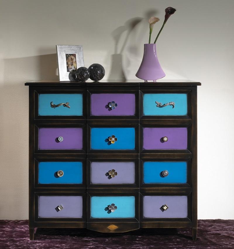 Decoraci n original con muebles de colores torres y - Colores de muebles ...
