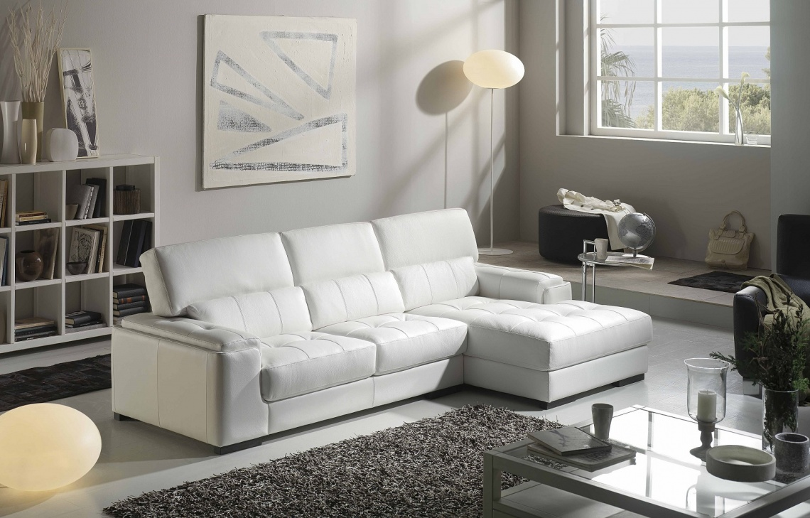 456 WHITE CHAIRLONG