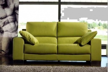 475 GREEN LEATHER SOFA