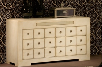 339 CHEST OF DRAWERS