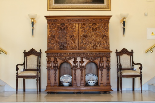 CABINET CON RELIEVES